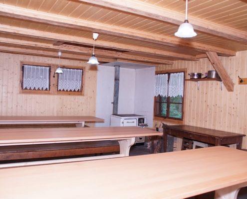 Beheizbarer Innenraum Waldhütte Volketswil