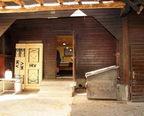 Eingang zum Fortshaus